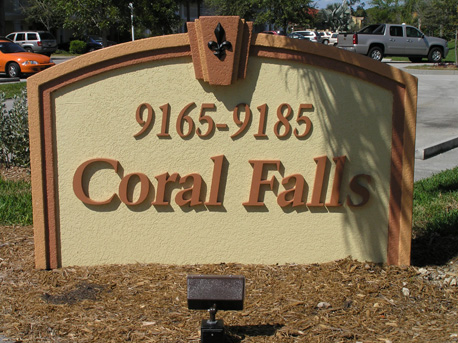 Coral Falls Lely Resort